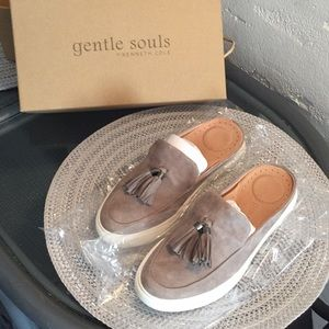 """Kenneth Cole gently soles """"Rory"""" mules. Sz 6.5"""